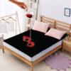 Black-fitted mattress -510x510